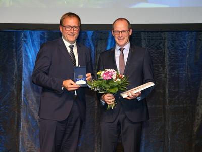 FingerHaus - Grosser Preis des Mittelstandes Ehrenplakette