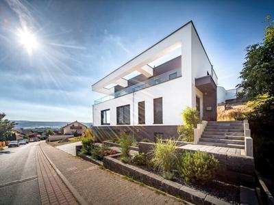 """Gewinner in der Kategorie """"Topaktuelle Kundenhäuser"""" - """"Kundenhaus Erbach"""" von OKAL Haus"""