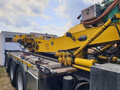 Fertigdoppelgarage per LKW abgestellt