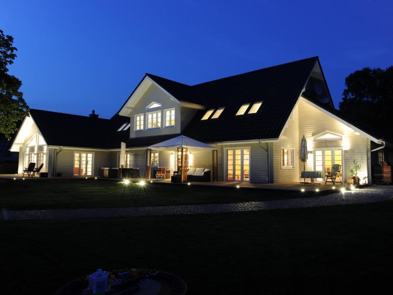 holzhaus haus am see von fjorborg. Black Bedroom Furniture Sets. Home Design Ideas