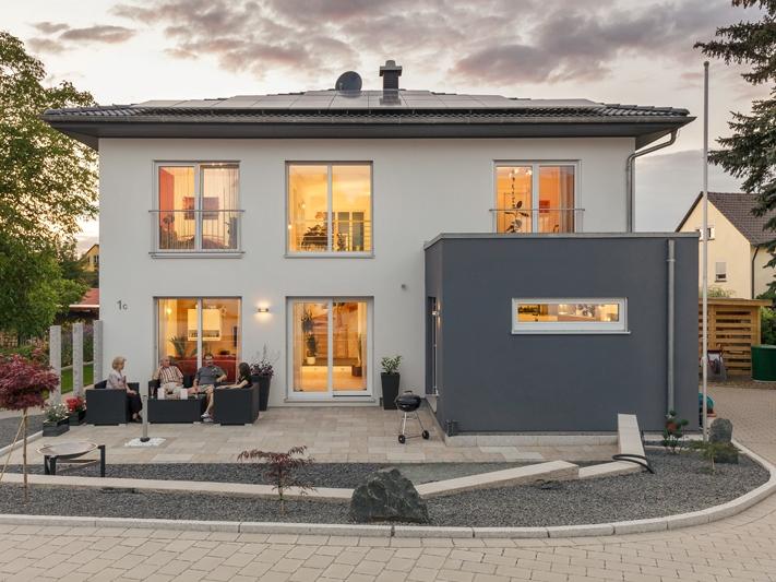fertighaus von luxhaus walmdach 179. Black Bedroom Furniture Sets. Home Design Ideas